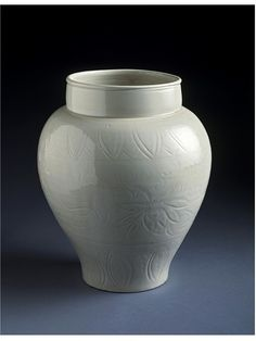 Jar with ivory glaze for alcohol, Ding kilns, Hebei, north China, Northern Song dynasty Stoneware. Art Fund, Royal Academy Of Arts, The V&a, Chinese Ceramics, Ancient China, Ceramic Design, Chinese Antiques, Victoria And Albert Museum, Museum Collection