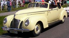 1939 Country Club Convertible