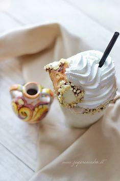 milk shake di mandorla Zagara, Milkshake, Icing, Ricotta, Desserts, Food, Cedar Trees, Cream, Tailgate Desserts