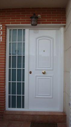 Puerta acorazada con cristal blindado perfecta para for Puertas para patio exterior