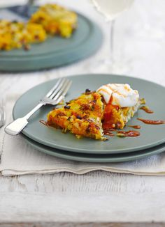 Bubble and squeak is a classic way to use up your leftovers. We have a delicious squash and pancetta squeak that gives plenty of colour and flavour to your dish. Top with poached eggs for a delicious brunch or all-day breakfast idea. Vegetarian Breakfast Recipes, Egg Recipes For Breakfast, Brunch Recipes, Drink Recipes, Risotto Dishes, Bubble And Squeak, Tart Recipes, Poached Eggs, Healthy Cooking