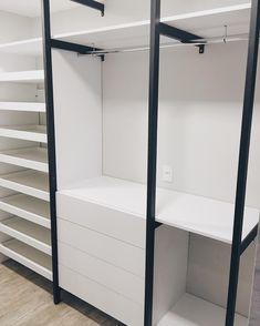 Finalizando... #closet #apartamento #reforma #apartment #blackandwhite #vsco #interior #homedecor