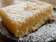 Political Nutrition: Low Carb Lemon Bars even my grandmother would love. Sugar Free Desserts, Mini Desserts, Low Carb Desserts, Dessert Recipes, Primal Recipes, Brownie Recipes, Low Carb Recipes, Low Carb Flour, Mango Recipes