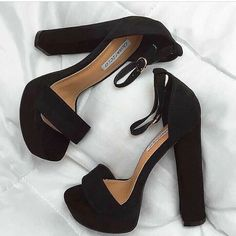 40 Charming Shoes Outfit Ideas That Make You Look Fabulous – Perfect Fall Shoes. Cute Shoes Heels, Fancy Shoes, Pretty Shoes, Me Too Shoes, Prom Heels, Fresh Shoes, Black High Heels, Fashion Heels, Mode Style
