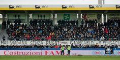 La foto del giorno: la contestazione dei tifosi degli Aironi alloZaffanella #rugby_pazzi #fb