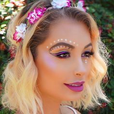 Check out my brand new #coachella makeup tutorial NOW LIVE on my YouTube channel ✨LINK IN BIO TO VIEW✨ who's going this weekend?! I hope to see some of you guys!!
