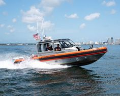 A crew from Coast Guard Station St. Petersburg on a 29-foot Response Boat – Small II patrols Tampa Bay, Florida. Patriotic Poems, Coast Guard Stations, Tampa Bay, Florida, United States, Boat, America, Dinghy, The Florida
