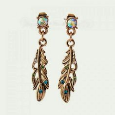 🎉NEW Rhinestones feather earrings NEW Rhinestones feather earrings Accessories