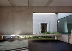 http://www.dezeen.com/2015/12/26/bekkering-adams-concrete-extension-traditional-toll-house-villa-tolhuis-zaltbommel/