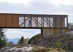 Høse Bridge by Rintala Eggertsson Architects over the Suldalslågen river in Norway made from mesh and solid panels of Corten steel. Studios Architecture, Landscape Architecture, Architecture Design, Abou Dabi, Steel Bridge, Bridge Design, Pedestrian Bridge, Unique Buildings, Scenic Photography
