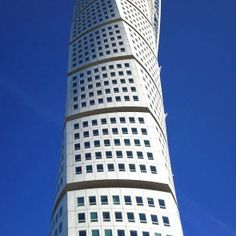 Turning Torso - Structure Detail - The building was based on a sculpture by the architect, which depicted the form of a twisted human.