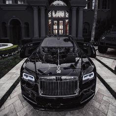 What do you think of this Black Marble Rolls Royce?😍Dope or nope? Rolls Royce Wraith, Rolls Royce Phantom, Rolls Royce Cars, Rolls Royce Black, Luxury Car Brands, Luxury Sports Cars, Top Luxury Cars, Sport Cars, Voiture Rolls Royce