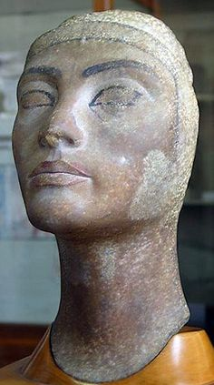 Unfinished quartzite head of Nefertiti from the workshop of the sculptor Djhutmose at el-Amarna. Ancient Egyptian Artifacts, Egyptian Pharaohs, Ancient Art, Nefertiti Bust, Cairo Museum, Egyptian Mummies, Small Garden Design, Banner, Sculpture
