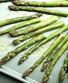 lekkere groene asperges van rue de surene