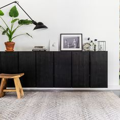 38 Beste Ideeen Over Zwarte Dressoirs En Sidetables Dressoir Zwarte Dressoirs Interieur
