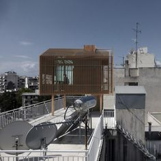Detached - Urban Hut in Athens by deltArCHI - dragonas christopoulou architects
