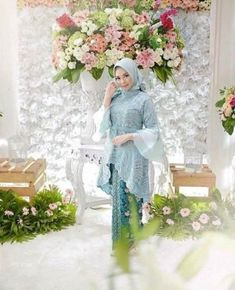 Image may contain: 2 people, flower and plant Model Kebaya Muslim, Model Kebaya Brokat Modern, Kebaya Modern Hijab, Kebaya Hijab, Hijab Gown, Hijab Dress Party, Hijab Style Dress, Kebaya Lace, Batik Kebaya