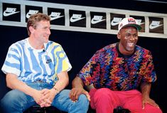 Amazing vintage photos of superstar athletes back when none of us had cellphones around. Both iconic and funny. Michael Jordan Cologne, Jordan Fashions, Nike Tracksuit, Double Denim, Purple Shorts, New York Knicks, Track And Field, Fashion Games, Dream Team