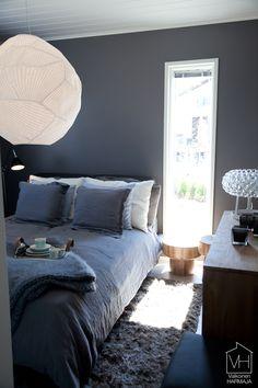 Calm and gray bedroom Gray Bedroom, Home Bedroom, Bedrooms, Sweet Home, New Homes, Interior Design, Finland, Beds, Bedding