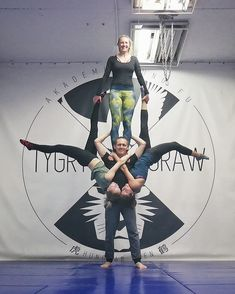 """66 Me gusta, 5 comentarios - Acroyoga lover Warsaw (@a_wysocka) en Instagram: """"Don't limit your challenges, challenges your limits. . Szymon beat his record - 160kg on his…"""""""