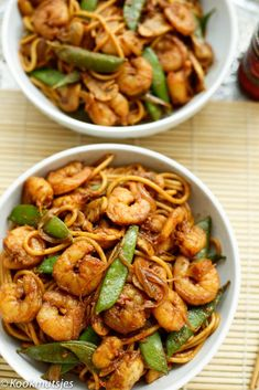 Spicy spaghetti with prawns Cooking hats - İtalian cuisine Asian Recipes, Healthy Recipes, Ethnic Recipes, Healthy Foods, Seafood Recipes, Dinner Recipes, Spicy Spaghetti, Different Recipes, Meal Prep