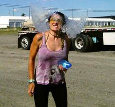 pictures taken at just the right moment - Dump A Day Walking In Heels, Perfectly Timed Photos, Dump A Day, Kodak Moment, Water Balloons, Great Pic, Picture Day, Perfect Timing, New Instagram