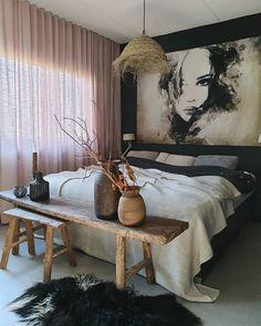 Home Bedroom, Bedroom Decor, Sister Home, Side Table Decor, Pretty Room, Piece A Vivre, Beautiful Interior Design, Trendy Bedroom, Beautiful Bedrooms