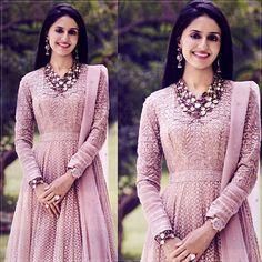 Pretty in Pink  #taruntahilianiofficial #shivikajhunjhunwala #pretty #charming #tt #anarkali #graphicgoldcollection #springsummer16 #flair #sheen #shimmer #artistry #indiamodern #instapic #picoftheday #instamood #taruntahiliani #hellomagindia