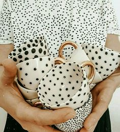 Image in DOTS ❤✔ collection by caffee_paradise Ceramic Cups, Ceramic Pottery, Ceramic Art, Slab Pottery, Thrown Pottery, Keramik Design, Gold Tips, Cute Mugs, Ceramic Painting