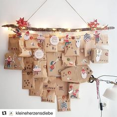 Wallhanging advent calendar with kraft paper bags - DIY Gifts Homemade Advent Calendars, Diy Advent Calendar, Kids Calendar, Calendar Ideas For Kids To Make, 2021 Calendar, Calendar Design, Homemade Christmas Gifts, Christmas Crafts, Christmas Decorations