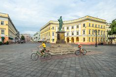 place du duc de Richelieu, Odessa, Ukraine, juillet | by Air'L