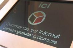 Magasin Oxybul équipé de bornes tactiles connectés au site internet de l'enseigne