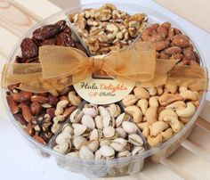 Gourmet Food Gifts, Gourmet Food Store, Gourmet Recipes, Snack Recipes, Coffee Gift Baskets, Gourmet Gift Baskets, Christmas Food Gifts, Snacks Saludables, Roasted Nuts