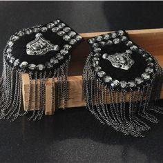Men epaulette/epaulet/pin badge charreteras/wholesale/kpop tassel chain skull brooch/broches/brooches/women harajuku accessories