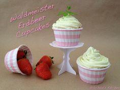 Schnin's Kitchen: Waldmeister-Erdbeer-Cupcakes