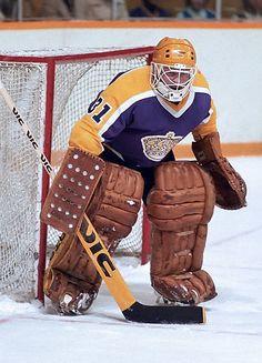 Hockey Drills, Hockey Goalie, Ice Hockey, La Kings Hockey, We The Kings, Goalie Mask, Nhl Players, Masked Man, Los Angeles Kings