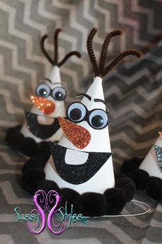 Olaf Snowman party hats, fantastic party idea for a Disney Frozen birthday party! I can totally make those. :D