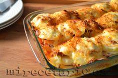 Rakott Krumpli o pastel de patatas húngaro.