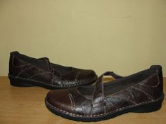 CLARKS Bendables Womens Sz 9M Mary Janes Brown Leather Comfort Flats Shoes #Clarks #MaryJanes #CareerWeartoworkCasual