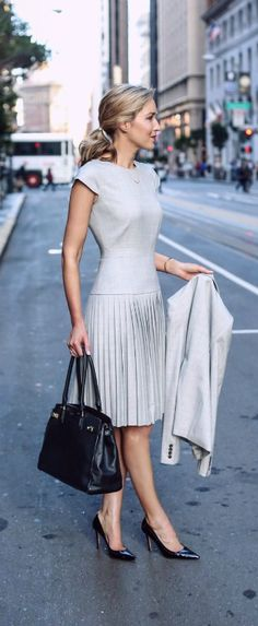 Light Grey Pleated Dress with Classic look - Street Style Nyc Fashion, Office Fashion, Work Fashion, Ladies Fashion, Dress Fashion, Trendy Fashion, Womens Fashion, High Fashion, Fashion Shoes