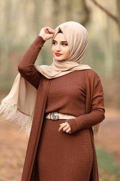 Modest Fashion Hijab, Hijab Chic, Abaya Fashion, Fashion Outfits, Beautiful Muslim Women, Beautiful Hijab, Hijabi Girl, Girl Hijab, Islamic Fashion
