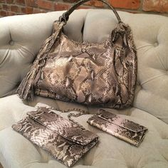 @Presmer #python Anastasia hobo, Jennifer wallet and Mary Ellen 3-in-1 in CHAMPAGNE, glorious CHAMPAGNE! presmer.com