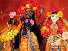 Sri Sri Radha Shyamsundar Close up Wallpaper (001) Download Wallpaper: http://wallpapers.iskcondesiretree.com/sri-sri-radha-shyamsundar-close-up-bloomington-illinois-wallpaper-001/ Subscribe to Hare Krishna Wallpapers: http://harekrishnawallpapers.com/subscribe/ #Krishna, #RadhaKrishna, #RadhaShyamsundar, #Shyamsundar, #SrimatiRadharani