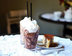 How can you get to heaven...?   Thanks to milk or dark frozen chocolate and a piece of our cheesecake...