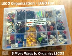 Lego Organization=Lego Fun, 5 More Ways to Organize Legos I firmly believe that when Legos are organized it encourages better play & kids have more fun! Especially when we sort the minifigures like the Lego Store! Lego Store, Legos, Table Lego, Lego Duplo, Lego Display, Baby Room Diy, Diy Baby, Lego Craft, Minecraft Crafts