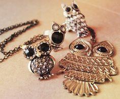I love owl jewelery even though I am terrified of owls! Owl Jewelry, Cute Jewelry, Jewelry Box, Jewelery, Jewelry Accessories, Fashion Accessories, Animal Jewelry, Jewelry Watches, Vintage Jewelry