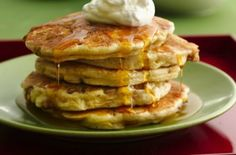 Apple crisp and pancakes rolled into one. Diced apples add chunky goodness to the Bisquick® batter and then before flipping, the pancakes get topped with a brown sugar-oatmeal streusel.(make homemade Bisquick Mix) What's For Breakfast, Breakfast Pancakes, Pancakes And Waffles, Breakfast Dishes, Breakfast Recipes, Yogurt Pancakes, Pumpkin Pancakes, Fluffy Pancakes, Morning Breakfast