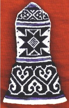 medieval knitted mitten
