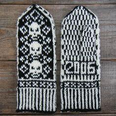 Ravelry: Pirate Mittens pattern by Adrian Bizilia Knitting Charts, Knitting Patterns Free, Free Knitting, Free Pattern, Crochet Patterns, Knitting Machine, Mittens Pattern, Knit Mittens, Knitted Hats