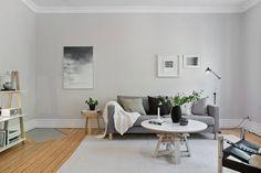 minimalist living room // gray and white living room // hardwood floors Living Room Scandinavian, Minimalist Scandinavian, Scandinavian Interior Design, Scandinavian Style, Minimalist Living, Living Room Hardwood Floors, Living Room Grey, Living Rooms, Love Home